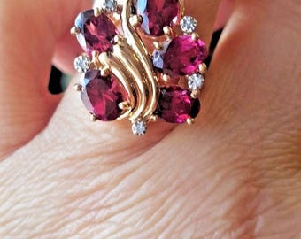 Beautiful Vintage 14K Yellow Gold Rhodolite GARNET and Diamond Floral Swirl Design Ring Sz 6