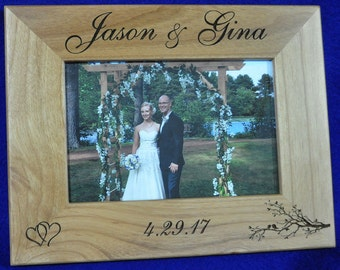 Wedding Gift For Couple ~ Wedding Frame ~ Wedding Gift For Parents ~ Mr and Mrs ~ Bridal Shower Gift ~ Custom Wedding Frame ~ Custom Frames