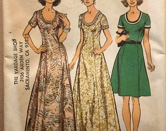 Simplicity 5967 - 1970s Scoop Neck Dress with Princess Seams in Knee or Maxi Length - Size 14 Bust 36
