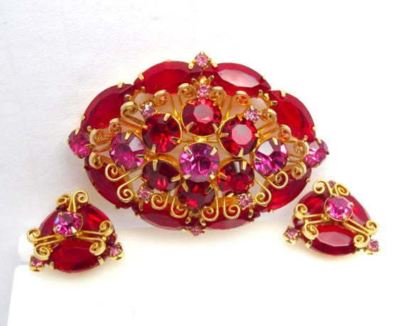 JULIANA Ruby Red and Fuchsia Pink rhinestone domed PIN & Earring SET with filigree work ~lovely, collectible vintage costume jewelry