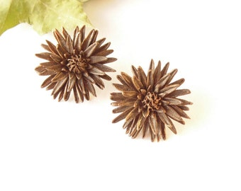 Chrysanthemum earrings Chrysanthemum bronze jewelry polymer clay jewelry golden daisy jewelry gift for her floral jewelry mothers day gift