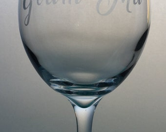 Glam-Ma Etched Wine Glass