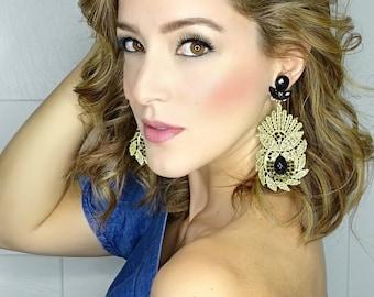 Gold Chandelier Earrings, Bridal Jewelry, Big Earrings, Bridal Earrings, Dangle Earrings, Statement Jewelry, Jewelry Designs, Long Earrings