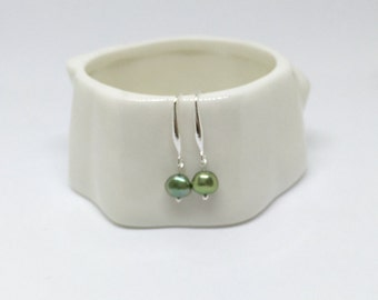 Green pearl earrings, 925 sterling silver pearl earrings, freshwater pearl earrings, irregular pearl earrings, bridal pearl earrings