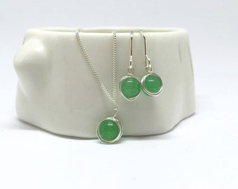 Jade jewellery set, 925 sterling silver jade necklace and earring set, jade jewelry set, 925 silver jade jewelry, sterling silver necklace