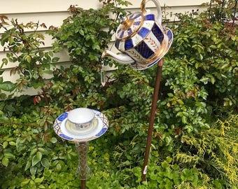 Royal tea pot bird feeder set