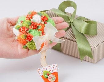 Orange magnet, flower fridge magnet, girlfriend gift, Handmade magnet, gift magnet, refrigerator magnet, wooden base magnet FM26