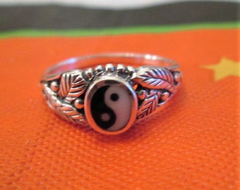 RING -  Ornate - YIN and YANG  - 925 - Sterling Silver - Size 9 3/4- Misc436