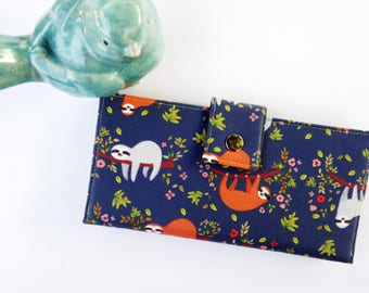 Sloth wallet, sloth gift, wallet for women, ladies wallet, travel wallet, clutch wallet, gift for wife, fun gift idea, cute wallet