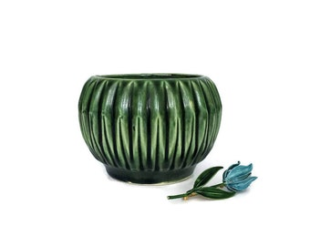Vintage Emerald Green USA Pottery Planter Bowl // Mid Century Modern Succulent Planter // Gift Idea