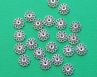 20 Bead Caps Antique Silver Tone Floral Pattern 12mm - FD393