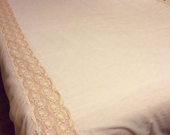 Vintage Pink and Lace Carlinhos Comforts Double Bed Summer Bedspread.