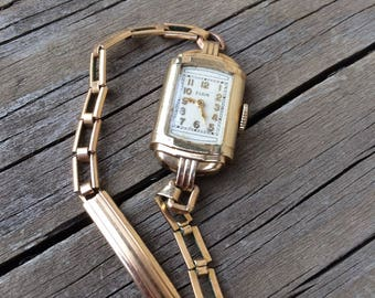 ELGIN LADIES WATCH Vintage Gold Filled Watch in Original Case