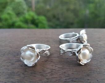 Stunning pearl rosebud ring