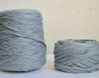 Chunky wool yarns,  100g / 3,5 oz balls