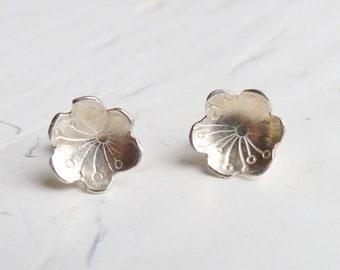 Sterling Silver Stamped Flower Stud Earrings, Daisy Earrings, 925 Silver Blossom Earrings, Silver Studs, Silver Jewellery