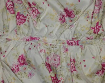 Stunning Cabbage Rose Balloon Comforter/Shabby Chic/Cottage Chic/Vintage/Bedding/Home Decor/Roses