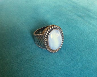 Vintage Rainbow Moonstone Sterling Silver Ring
