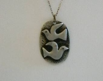 Pewter Oval Dove Pendant W/Silver Tone Chain Necklace