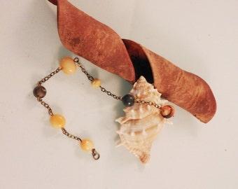 Bracelet with semi-precious stones