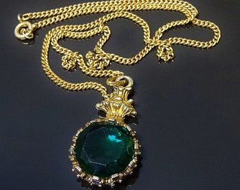 Vintage Victorian Look Round Pendant Necklace Highly Ornate Gold Tone Setting w Emerald Green Faceted Stone Beautiful Elegant Item
