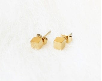 E1039 - New Tiny Square Cube Stainless Steel Studs Earrings