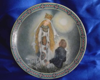 German Collectors Plate, 'Since I First Saw Him' from the set Women in Life and Love, Limited Edition