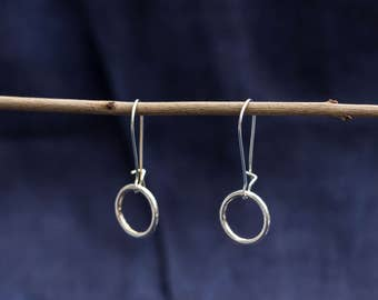 Earring with a small ring silver
