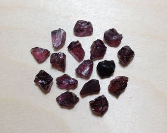 Small rough rhodolite garnet, raw garnet crystal lot // B*3119