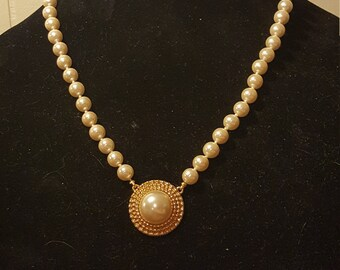 "Vintage Pearl Necklace 18"""