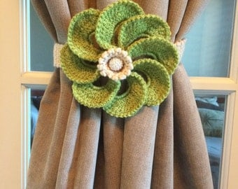 Crochet Curtain Tiebacks - apple green (1 pr)