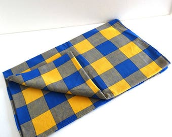 Vintage Yellow And Blue Checked Tablecloth   Retro 1960s Picnic Tablecloth