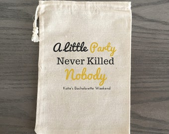 10 Bachelorette Party Favor, Hangover Kit, Survival Kit, Recovery Kit, Emergency Kit, Custom Bachelorette Party Bags - Great Gatsby