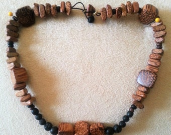 Essential oil diffuser choker, wood mix