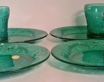 Vintage Set of 4 Spruce Tiara Glass Snack Plates,and Cups