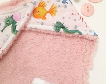 bandana bib / bib / dribble bib / baby dribble bib / baby bandana bib / gifts for baby / new baby gift / baby shower / baby girl / new baby