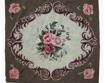 Hand made antique square American hooked rug 3' x 3.4' ( 93cm x 104cm ) 1920s