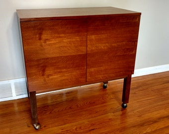Mid Century Danish Modern Teak Rolling Bar / Serving Cart