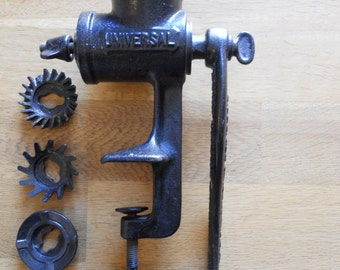 Universal Number 1 Vintage Table Top Meat Grinder Mincer in Gunmetal Cast Iron with  3 Attachments.Kitchenalia.