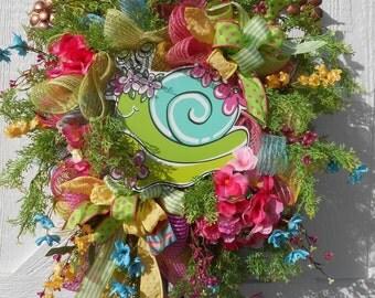 SALE, Colorful Summer deco mesh snail wreath, Spring/Summer wreath, Deco mesh wreath, Whimsical spring wreath, Spring decor, Wreath