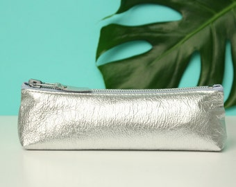 Silver Leather Pencil Case // Metallic Leather Bag // Makeup Brush Bag // Pencil Pouch / Cosmetic Bag // Pencil Case // Gift For Her