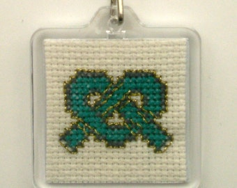 Keychain tangle hand embroidered Celtic spirit