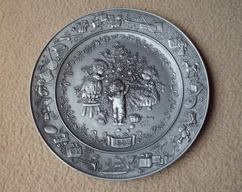 Hallmark Little Gallery Pewter Plate 1983