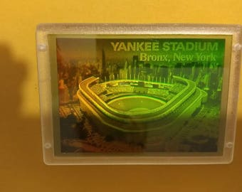 1994 Blockbuster Video Special Edition New York Yankee Stadium 3D Hologram Card