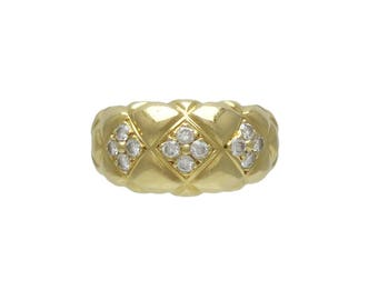 Elegant 18K Gold and Diamond Ring / Band