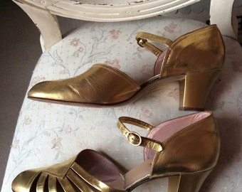 1930s/1940s gold shoes UK 4
