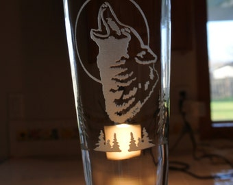 wolf head howling on pilsner glass