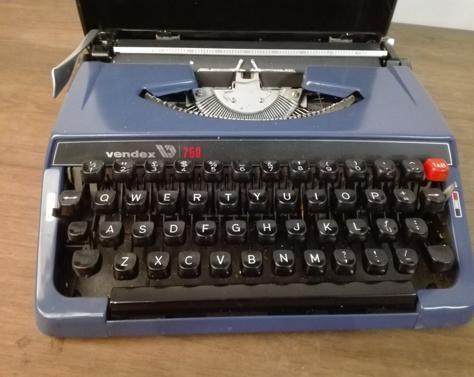 Vendex 750 Blue typewriter