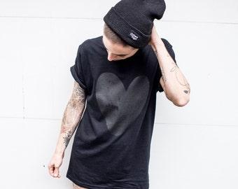 T-shirt adult black heart on Black 100% cotton screen printed by BlackSnaps.