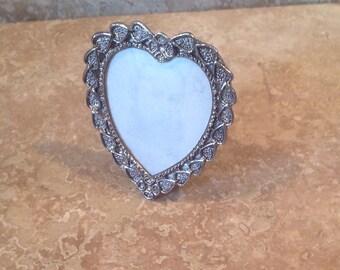Mini heart frame